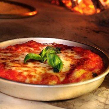 La pizza al tegamino, una tradizione piemontese
