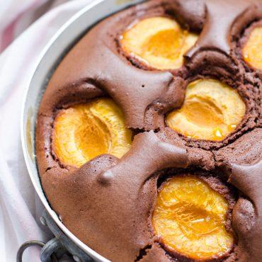 Torta Al Cacao Con Albicocche