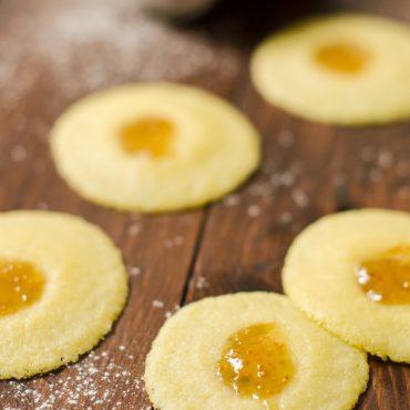 Biscotti senza glutine con confettura di fichi