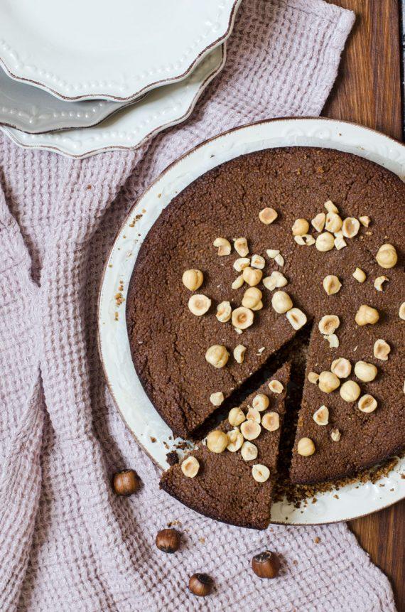 Torta di couscous al cioccolato e nocciole